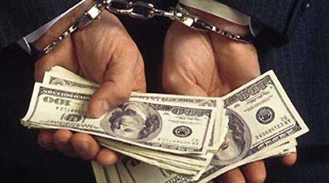 НаОдещині прокурор погорів нахабарі в5 тисяч доларів