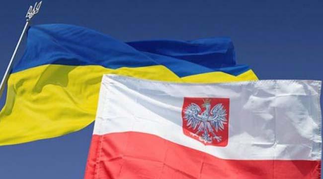 Моравецький сподівається, щоКиїв зніме заборону наексгумацію польських жертв вУкраїні