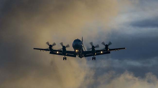 США зняли на відео провокацію винищувачаРФ над Чорним морем