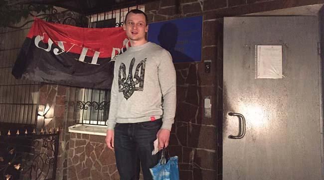 Сьогодні вночі «азовець» Станіслав Краснов вийшов із СІЗО